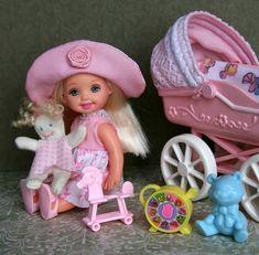 Barbie Kelly, Retro Toys, Minis, Nostalgia, Crochet Hats, Patio, Dolls, Friends, Toys