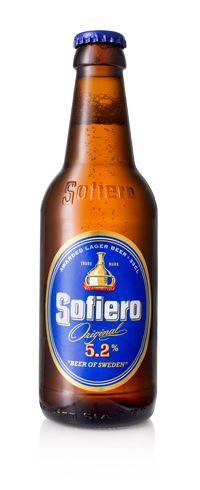 Sofiero / Sofiero är Sveriges mest sålda öl. Det säljs en Sofiero varje sekund. Den innehåller inga hemligheter bara ingredienser av högsta kvalité. Kornmalt, humle, jäst och vatten från Bergslagen. I bryggeriet med anor från 1888 gör känsla och hantverk att smaken lyfter till något extra. Något som gör oss till Sveriges mest sålda öl. Drick din Sofiero kylskåpskall tillsammans med människor du gillar.
