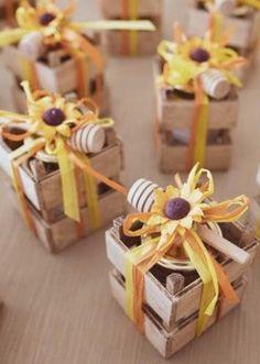 Mini wooden crate box / Rustic wood box for wedding favors / Wedding decor Honey Jar Favors, Honey Wedding Favors, Winter Wedding Favors, Wedding Gifts, Wooden Crate Boxes, Wood Boxes, Rustic Wood Box, Honey Packaging, Seating Plan Wedding