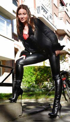 black bootz