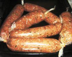 My recipe for Italian Chorizo.- Italian sausage- Do you like it? : My recipe for Italian Chorizo. Elk Recipes, Chorizo Recipes, Italian Recipes, Cooking Recipes, Italian Foods, Charcuterie, Home Made Sausage, Italian Pasta Dishes, Chicken Sandwich