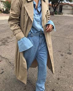 creative fashion photography which are really cool 846133 Trench Coat Outfit, Trench Coat Style, Simple Outfits, Casual Outfits, Fashion Outfits, Womens Fashion, Cheap Fashion, Creative Fashion Photography, Street Style 2018