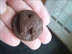 #3dprinted medal in chocolate. #foodprinting We love chocolate at Shapelize!