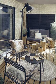 Un style Hygge pour un balcon d'hiver Black Interior Design, Interior Design Kitchen, Winter Balkon, Diy Bedroom Decor, Living Room Decor, Home Decor Styles, Interiores Design, Hygge, Interior Design Living Room