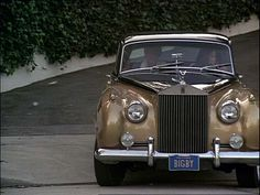 "Ron Howard, Nancy Morgan and a Rolls-Royce Silver Cloud II in ""Grand Theft Auto"" (1977)"