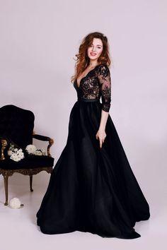Sexy Deep V-neckline Black Long Sleeves Lace Plus Sizes Evening Dress