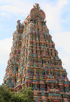 Menakshee Temple, Madurai, Tamil Nadu, India More India Travel Honeymoon Backpack Backpacking Vacation Indian Architecture, Ancient Architecture, Beautiful Architecture, Beautiful Buildings, Temple Architecture, Russian Architecture, Unusual Buildings, Madurai, Hampi