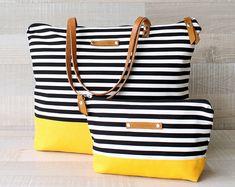 Handmade Bags, Tote Bags, Diaper Bags, Backpacks by bayanhippo Macbook, Canvas Laptop Bag, Creative Bag, Diy Sac, Sacs Design, Diy Bags Purses, Striped Tote Bags, Bag Patterns To Sew, Fabric Bags