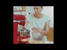Backen mit Christina: Zimtschnecken - YouTube Cotton Candy, Youtube, Brioche, Treats, Meal, Kuchen, Youtubers, Floss Sugar, Youtube Movies