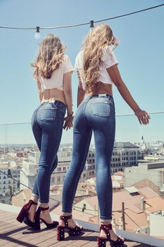 We Love LiaJeans :) looks - Lady Addict Girls Jeans, Mom Jeans, Skinny Jeans, Patched Jeans, Best Jeans, Sexy Hot Girls, Mannequin, Sexy Outfits, Sexy Women