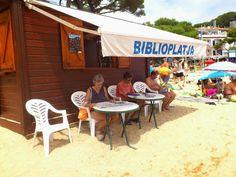 #library #beach La meva preferida és la Biblioplatja de Tamariu-@bibpalafrugell, però en tenim 63 + per triar http://biblioteques.gencat.cat/ca/biblio_tematic/biblioteques_publiques_de_catalunya/bibliopiscines-i-biblioplatges-2015/…