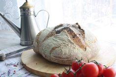 Iniziamo la settimana come piace a me; con un buon pane :) talmente buono che si fa mangiare da solo, basta un filo di olio, quello buono però eh! Vi aspetto sul blog: http://www.ipasticciditerry.com/pane-semi-integrale-farro-acqua-governo/