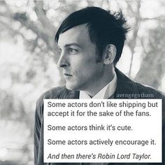 Robin Lord Taylor  http://www.hollywood.com/celebrities/actors-find-out-about-shipping-60232660/