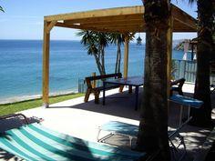 NERJA, Málaga. Casa rural  Casa Cuartel El Delfín en Nerja. En primera línea de playa de El Cañuelo. Con porche, terraza, amplio #jardín_con_barbacoa y aparcamiento privado de 4 plazas. Situada en le Paraje Natural de los #Acantilados_de_Maro_Cerro_Gordo, a 50 m. de la playa y a 6 Km. de Nerja, con todos los servicios.