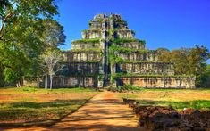 Cambodia is a country that is steeped in religion and Buddhist beliefs. Here, we look at some of the top sacred sites to visit during your trip. Koh Ker, Buddhist Beliefs, Old Buildings, Angkor, Demons, Cambodia, Digital Illustration, Temple, Beautiful Places