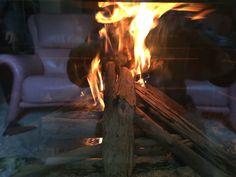 小春日和には 流木を燃やして眺める!