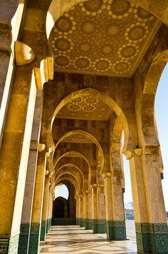 rijkaards:    Archways of the Hassan II Mosque, Casablanca, Morocco  (via bluberipancakes)