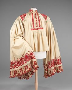 feste without the ceremonial over-long sleeveEarly Matyó men's shirt - Hungarian Embroidery at the Met Costume Institute Hungarian Embroidery, Folk Embroidery, Shirt Embroidery, Embroidery Patterns, Historical Costume, Historical Clothing, Costume Ethnique, Mode Alternative, Textiles