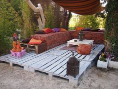 "I wanted a warm and friendly place for my 20 m2 terrace made ​​with pallets, Moroccan sofa also done with pallets, all in one ""marocobollywood"" style of my composition. Je voulais un coin convivial et chaleureux pour cette terrasse de 20 m2…"