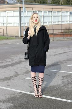 How to Wear High Gladiator Sandals this Summer | Street Style Outfit Inspiration | 'Lurchhound Loves' in black coat, navy dress, and knee-high gladiator heels