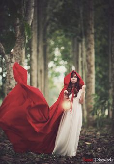 mountain-daughter:  Red riding hood v.4 by *brenditaworks (Please don't delete the source!)