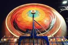 Have You Ever Seen Long Exposure Photos of Ferris Wheels? Types Of Photography, Light Photography, Funky Lighting, Long Exposure Photos, Spring Carnival, Bizarre News, Slow Shutter Speed, Web Design, Weird Pictures