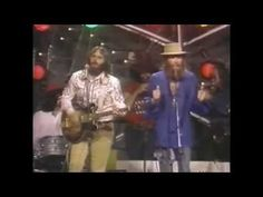 Ringo Starr playing with The Beach Boys July 4th 1984 1 - YouTube