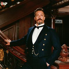 Tim Curry looking dapper Scary Movie 2, Movie Tv, Clue Movie, Tim Curry Rocky Horror, The Rocky Horror Picture Show, Riot Grrrl, Looking Dapper, Por Tv, Famous Faces