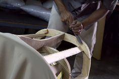 Creando la estructura de madera de una silla   Creating a wooden structure for a chair