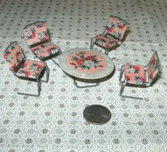 Vintage-Miniature-Dollhouse-Furniture-Tin-Floral-Litho-Table-4-Chairs-Japan