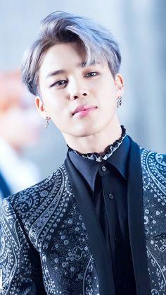 BTS Bangtan Boys is definitely among the most world-famous K-pop Korean Idol Groups to date. But how well do we know these charming guys? Bts Taehyung, Bts Jimin, Bts Bangtan Boy, Park Ji Min, Jikook, Bts Chibi, Bts Lockscreen, Foto Bts, Yoonmin