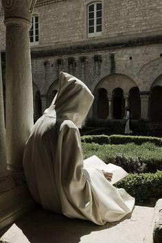 Play and pray, enjoy silence and connect Roman Catholic, Nun Catholic, The Cloisters, Sacred Art, Kirchen, Priest, Medieval, Spirituality, Provence