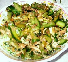 Куриный салат с огурцом
