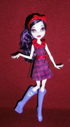 Monster High Ghoulebrities in Londoom Elisabat