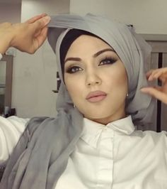 Beautiful Headscarf style by @makeup_saparova, if you are attending an all women party or event and still don't want to show your hair you can try this style and all the ones we share from @makeup_saparova she is talented in…