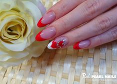 Francia körmök kasmír porral Matula Gabriellától. / French nails with cashmere powder from Gabriella Matula. #pearlnails #valentinesday #nailsoftheday #valentinenails #frenchnails #nails #nailart #nailstagram #nailedit
