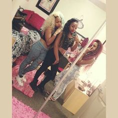 Zonnique Pullins and Bahja Rodriguez from the OMG Girlz