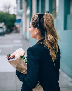 stylishblogger:  High pony with a  #sunday #highponytail #bows by @juliahengel