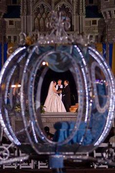 Thème De Mariage - DISNEY // Wedding Carriages #2328744 - Weddbook Accessoires pour réussir votre mariage sur http://yesidomariage.com