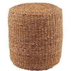 Butlers - Der Corbeille Hocker aus Seegras ist überall zur Stelle, wo Sie gerade eine Sitzgelegenheit oder etwas zum Füße hochlegen brauchen. Optisch betrachtet setzt er dabei noch wohnliche Akzente, z. B. in Kombination mit dem Landhausstil oder skandinavischen Interieurs. Aus der Corbeille-Serie sind auch Körbe ein Teppich aus Seegras erhältlich - im charakteristischen warmen Braunton.
