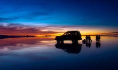 誰もが死ぬまでに一度は行きたい絶景として有名なのが、南米ボリビアにあるウユニ塩湖の絶景です。 ウユニ塩湖は雨季になると塩湖に水が張り、鏡張りの絶景が見られることで有名です。 今回は、そんな南米ボリビアにあるウユニ塩湖の絶景画像を12個ご紹介いたします。 ウユニ塩湖とは? 世界にはたくさんの絶景スポットがありま |カリブ・中南米, ボリビア|アイディア・マガジン「wondertrip」