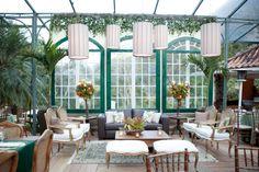 Lounge com décor rústico-chique - Casamento Renata Barbosa e Daniel Simoni