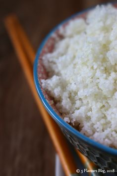 Crumbly Maize Porridge – a charming African classic.