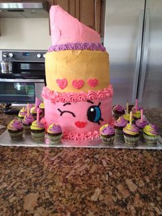 Lippy Lip shopkin cake