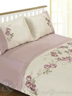 Rosa floral embroidered duvet covers with beautiful floral work on poly-cotton fabric. These floral duvet covers display pleasant prints of pink roses over cream fabric base. Designer Bed Sheets, Luxury Bed Sheets, Luxury Bedding, Duvet Sets, Duvet Cover Sets, Bedroom Sets, Bedroom Decor, Folding Fitted Sheets, Bed Scarf
