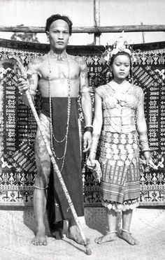Dayak Couple (ca. Body Painting, Old Photos, Vintage Photos, Ta Moko Tattoo, Iban Tattoo, Free Mind, Boris Vallejo, Asian History, World Cultures
