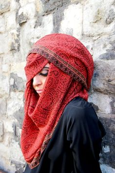 Beautiful Mysterious Hijab Style