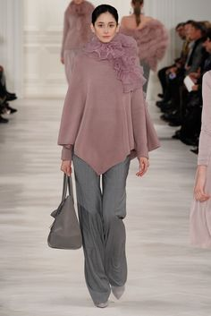 See the complete Ralph Lauren Fall 2014 Ready-to-Wear collection.