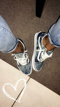 Chaussures Vans, Baskets Old Skool & Chaussures De Skate - Vans Shoes, Sneakers, Old Skool & Skate Shoes Cute Vans, Cute Shoes, Me Too Shoes, Cool Vans Shoes, Pretty Shoes, Tenis Vans, Vans Sneakers, Vans Shoes Outfit, Vans Tennis Shoes
