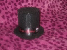 Hello Kitty tiny top hat hair clip. DIY Instructions included.
